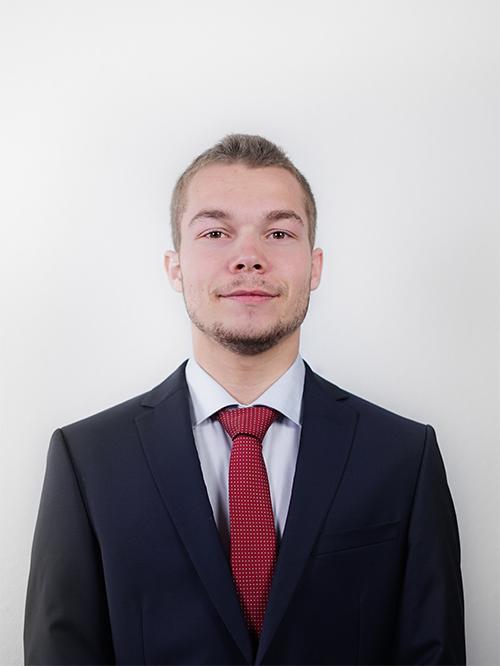 Sébastien CARBONARO - Responsable Ressources Humaines de notre Junior Entreprise emlyon junior conseil